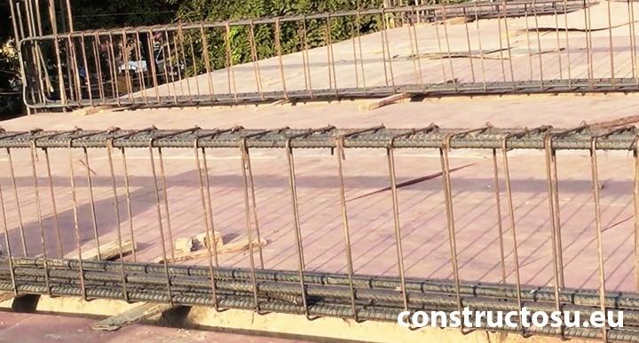Armătură de oțel pentru grindă lungă din beton armat