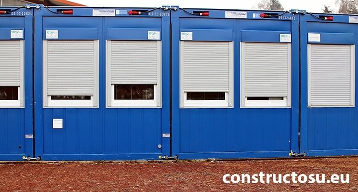 Containere maritime transformate în birouri de șantier