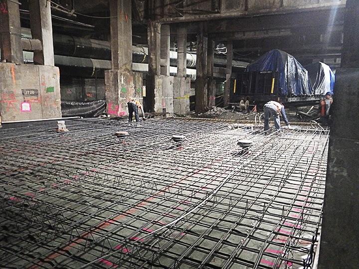 Armarea plăcii de beton armat înainte de turnare