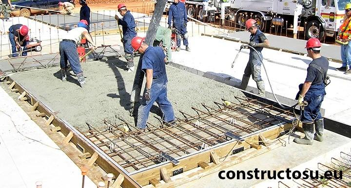 Turnarea betonului cu o echipa dotată și echipată