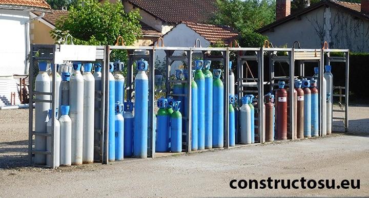 Diferite butelii de gaz pentru procesele de sudare