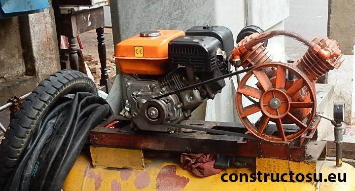 Pompă de aer montată pe rezervorului unui compresor