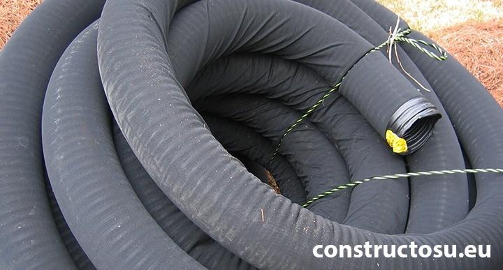 Colac perforat pentru drenaj cu diametrul de 110 mm, înfășurat în geotextil