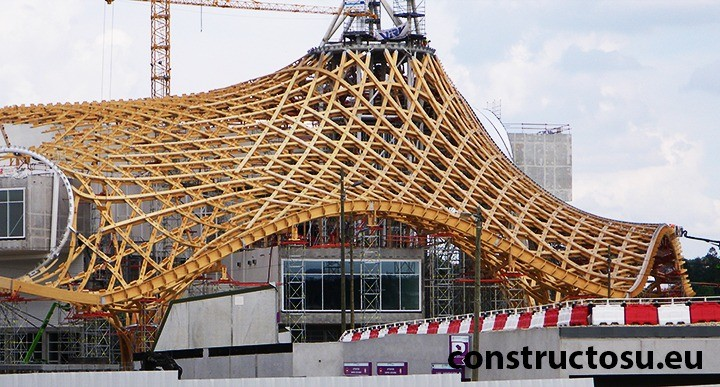 Construcția unui muzeu din Franța cu ajutorul lemnului încleiat