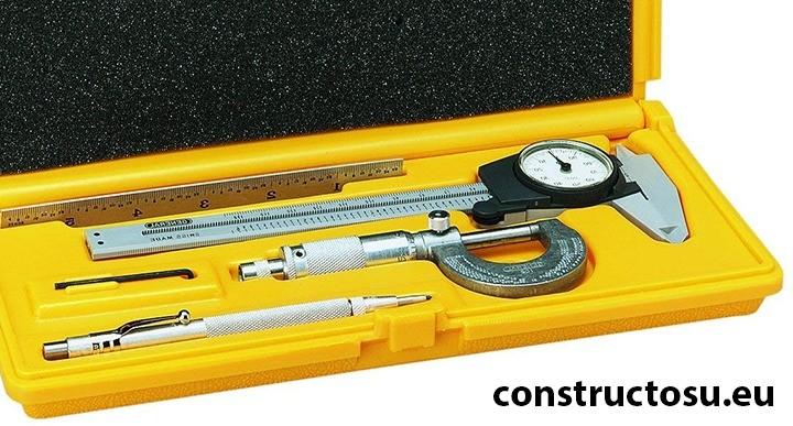 Set de instrumente de precizie cu propria cutie de plastic