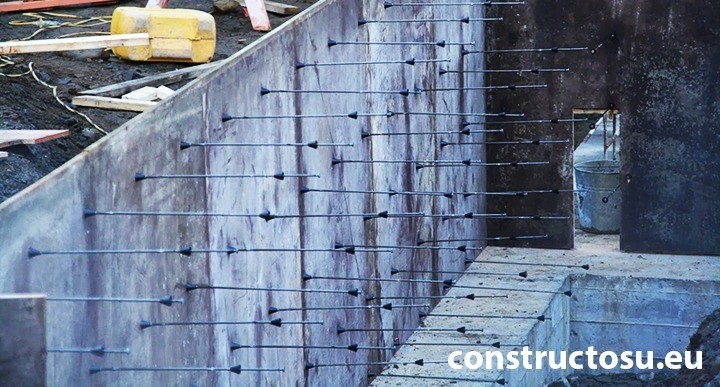 Cofraj din placaj utilizat la turnarea betonului armat